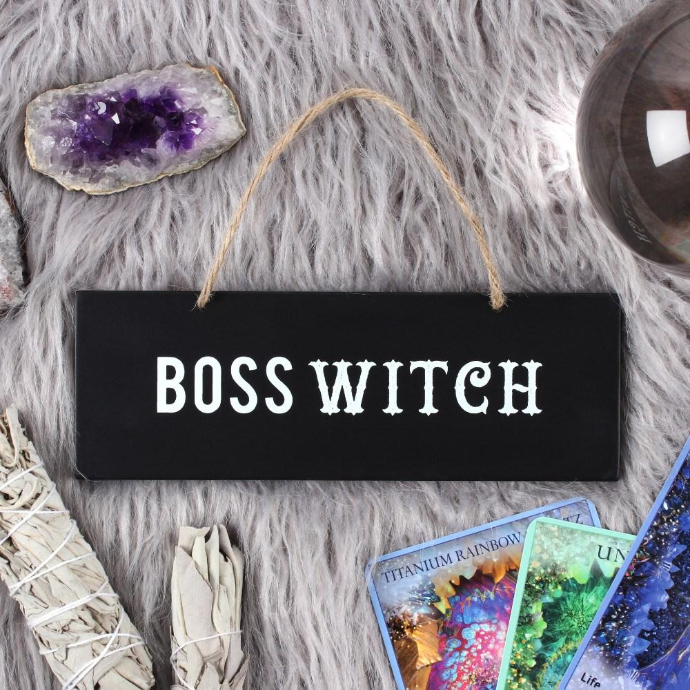 """Huoneentaulu """"Boss witch"""" kyltti"""