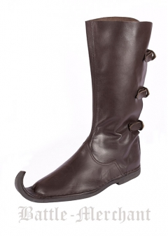Medieval Peaked boots with three buckles