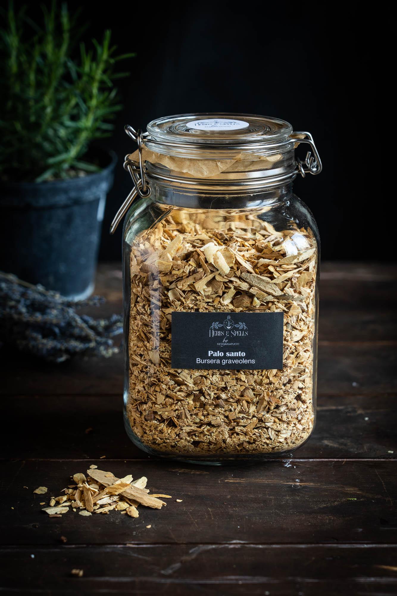 Palo Santo - Bursera graveolens (Herbs&Spell by keskiaikapuoti)