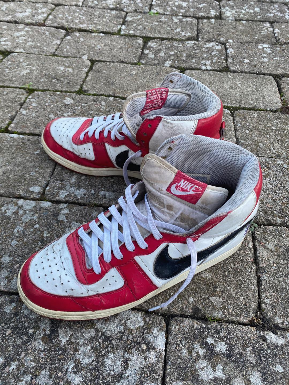 Vintage 80s Nike Sneakers