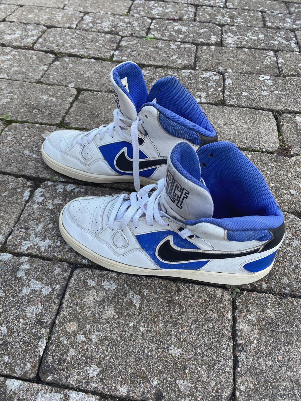 80s Vintage Nike Sneakers