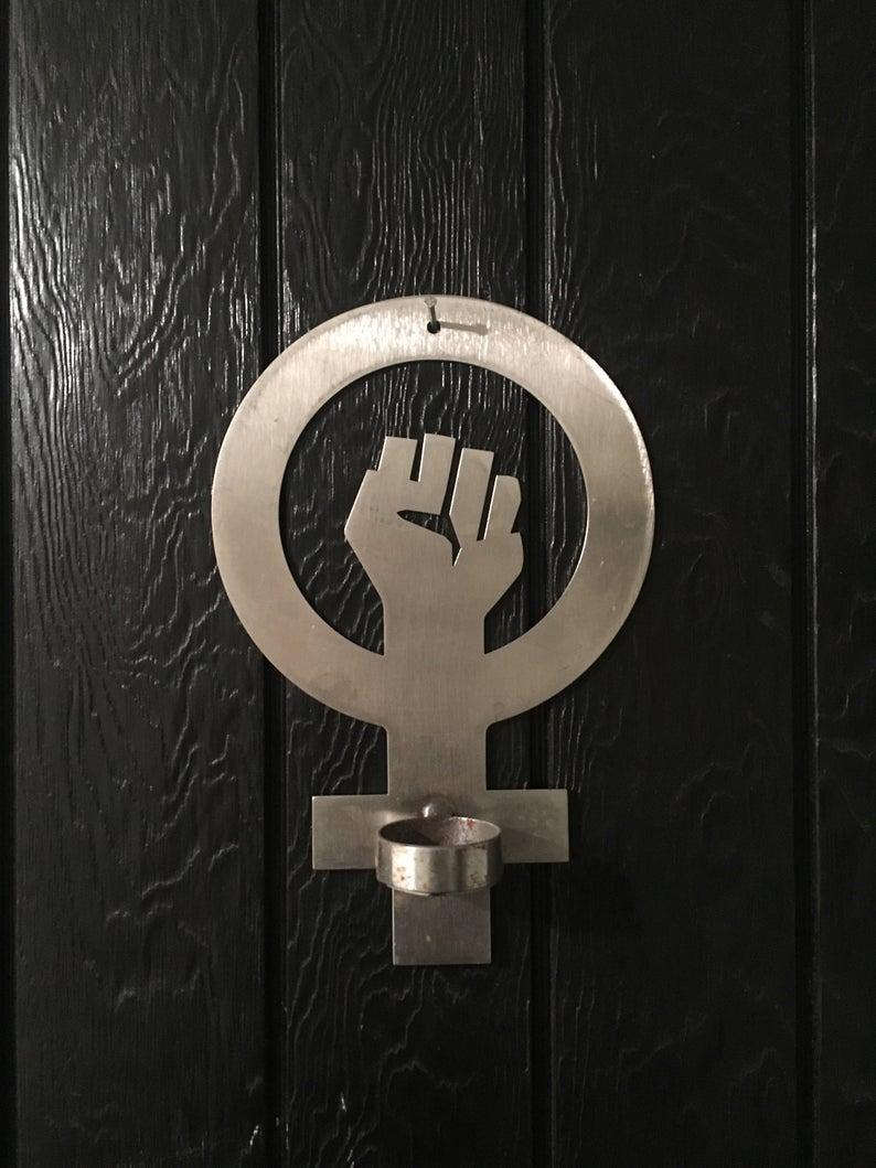 Feminist sign ljushållare