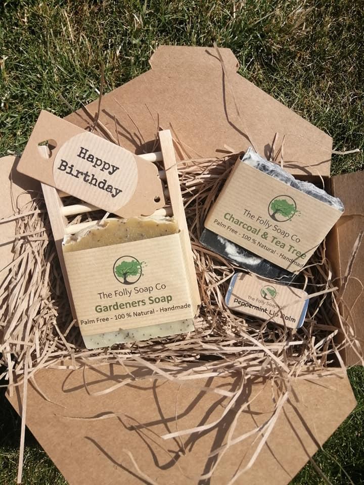 Birthday gift set with Hemu wood soap dish