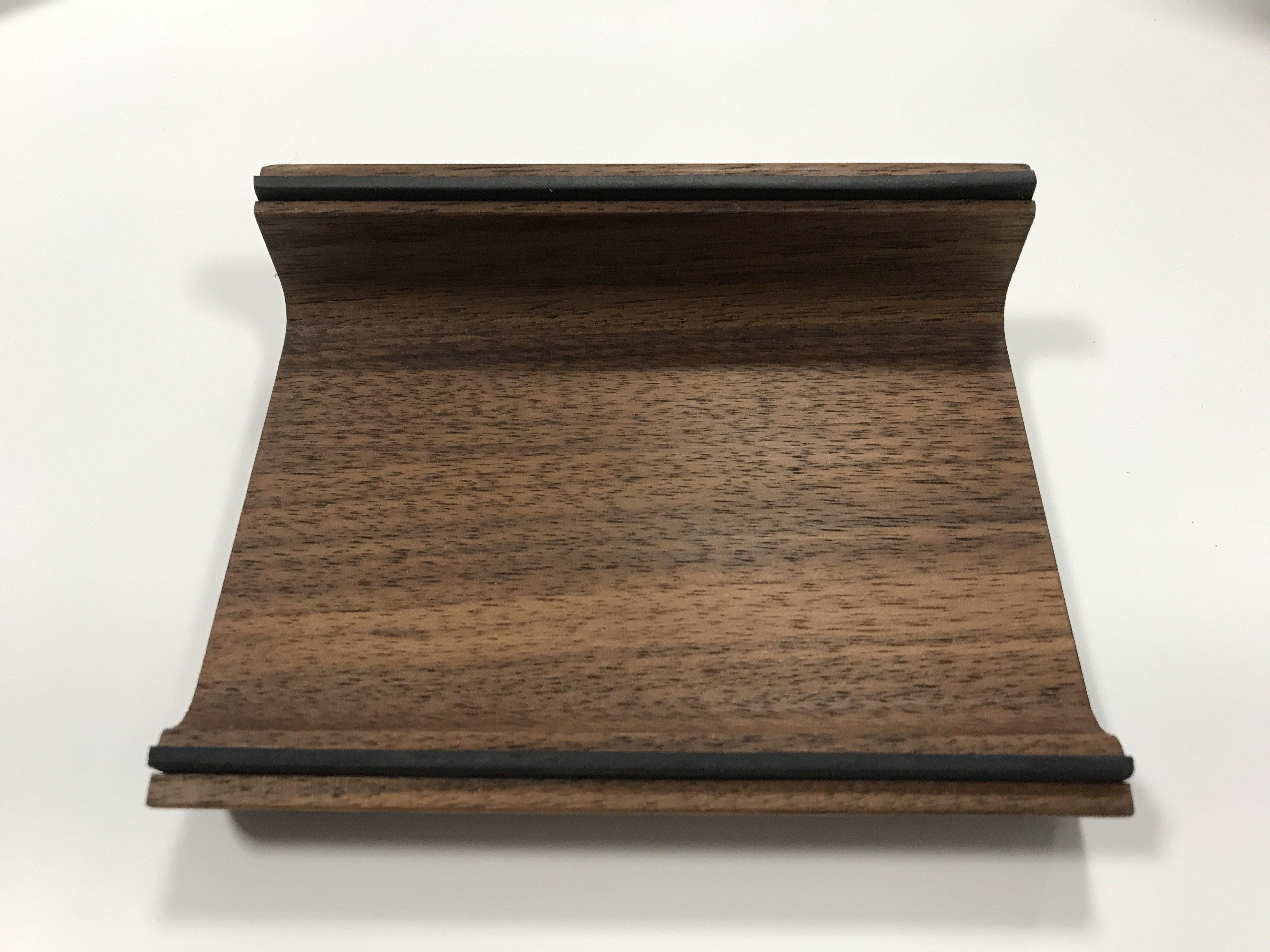Holzschale für Stifte/TabletPC NUSSBAUM