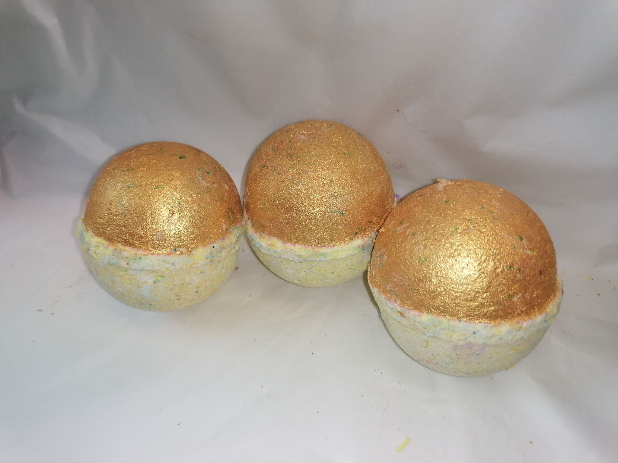 Gold Lady Million Inspired Bath Bomb