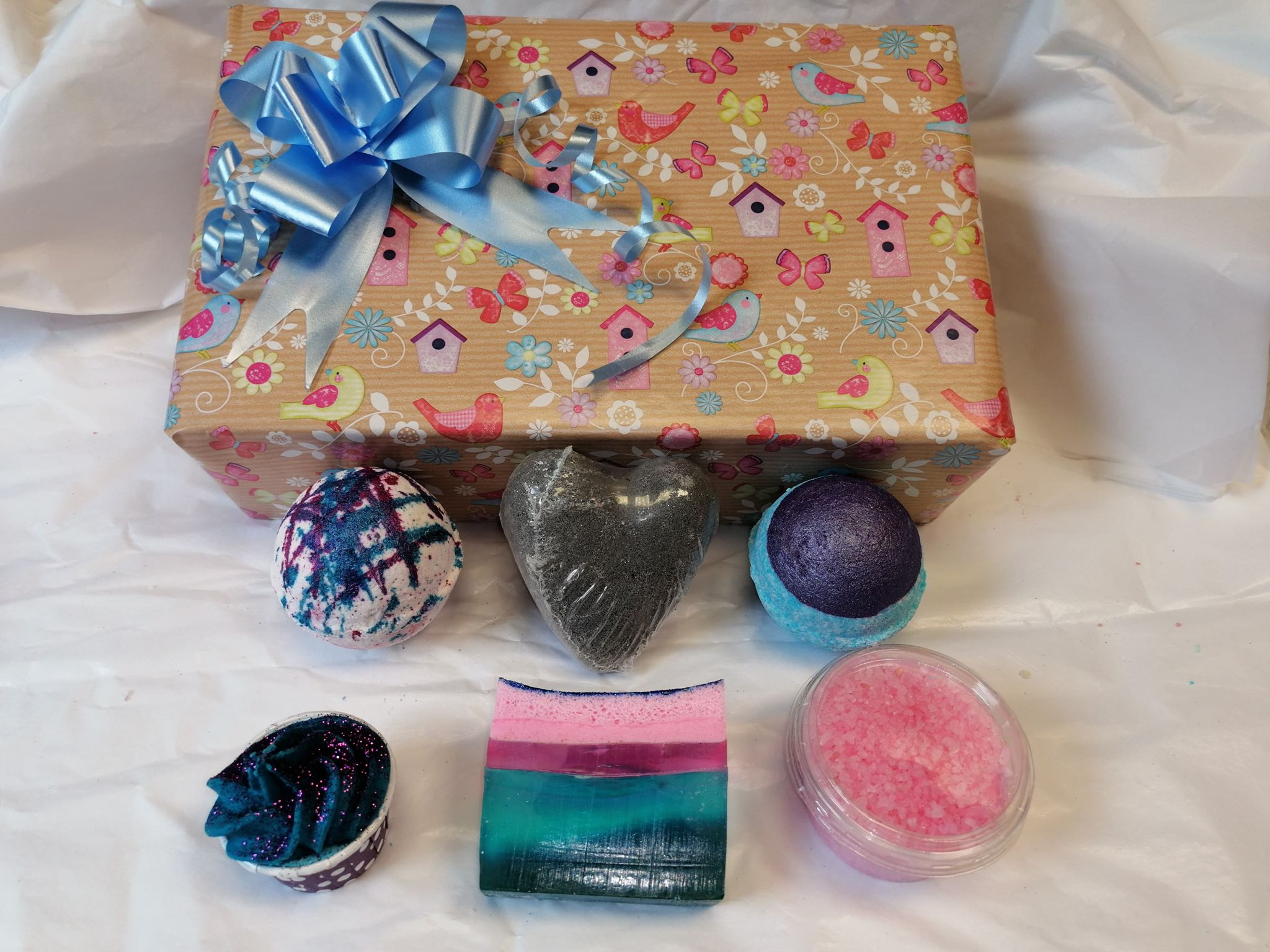 Birdie Fresh Collection Bath Bomb & Soap Gift Box