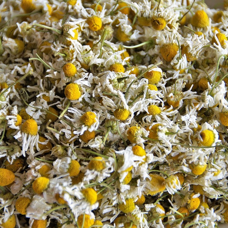 Chamomile Flowers (loose herbal tea)