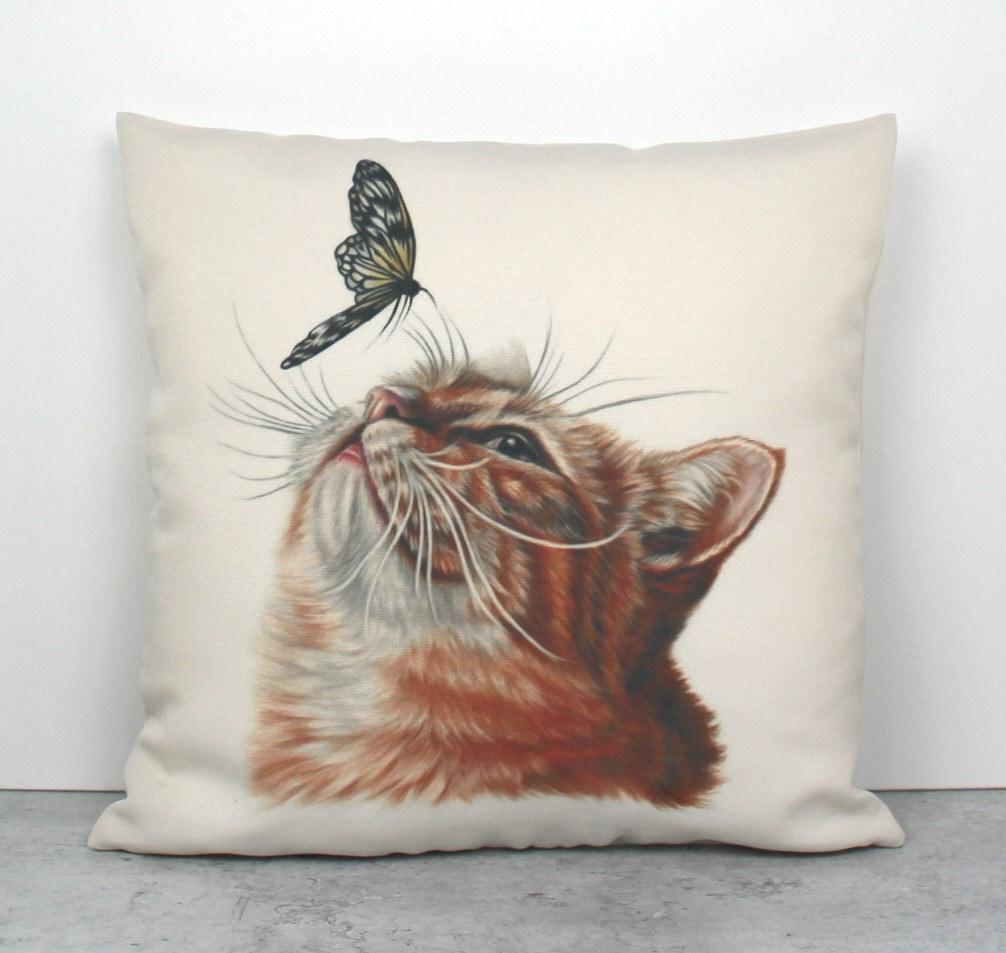 Kissa ja perhonen -Sisustustyyny
