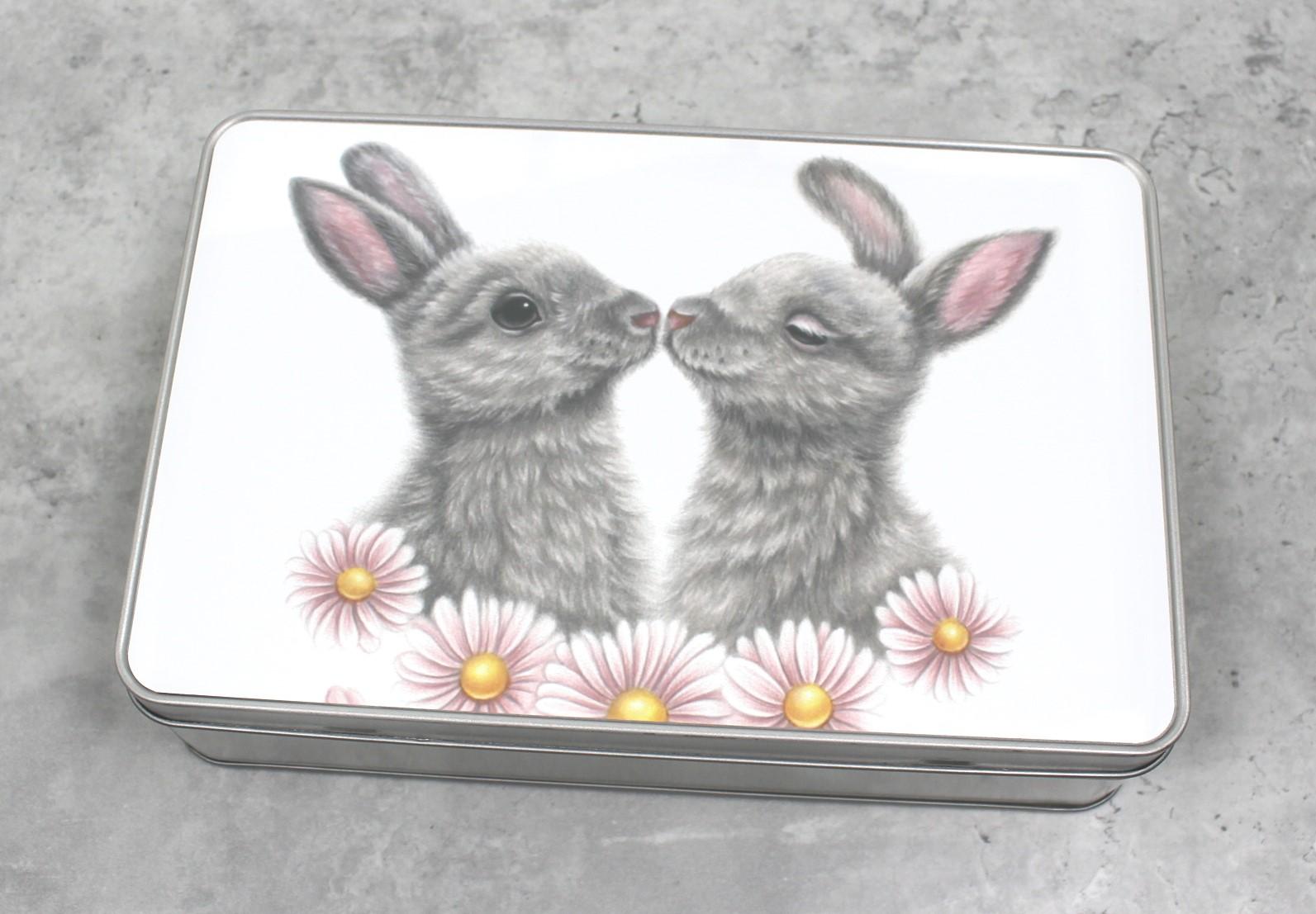 Pupupari ja kukat -Peltirasia