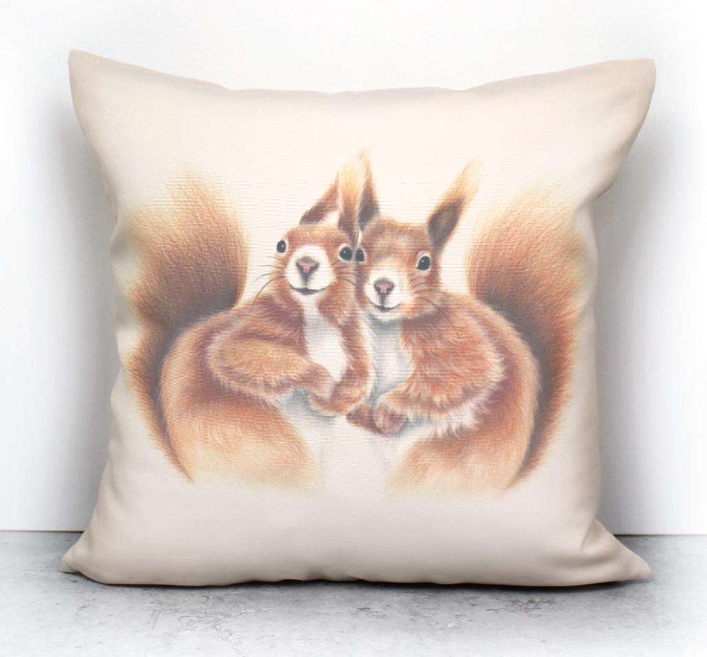 Oravapari -Sisustustyyny
