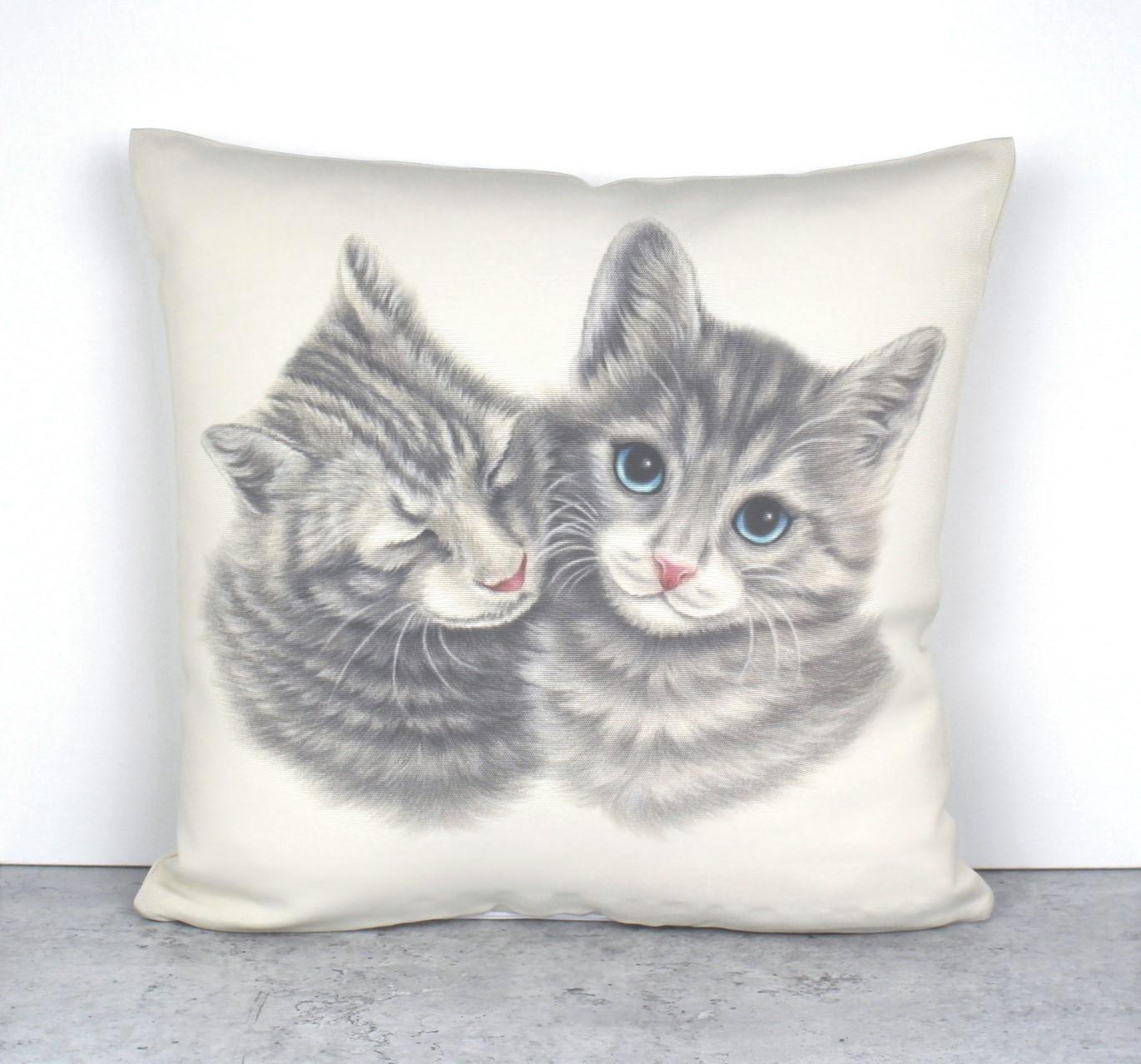 Kissapari -Sisustustyyny