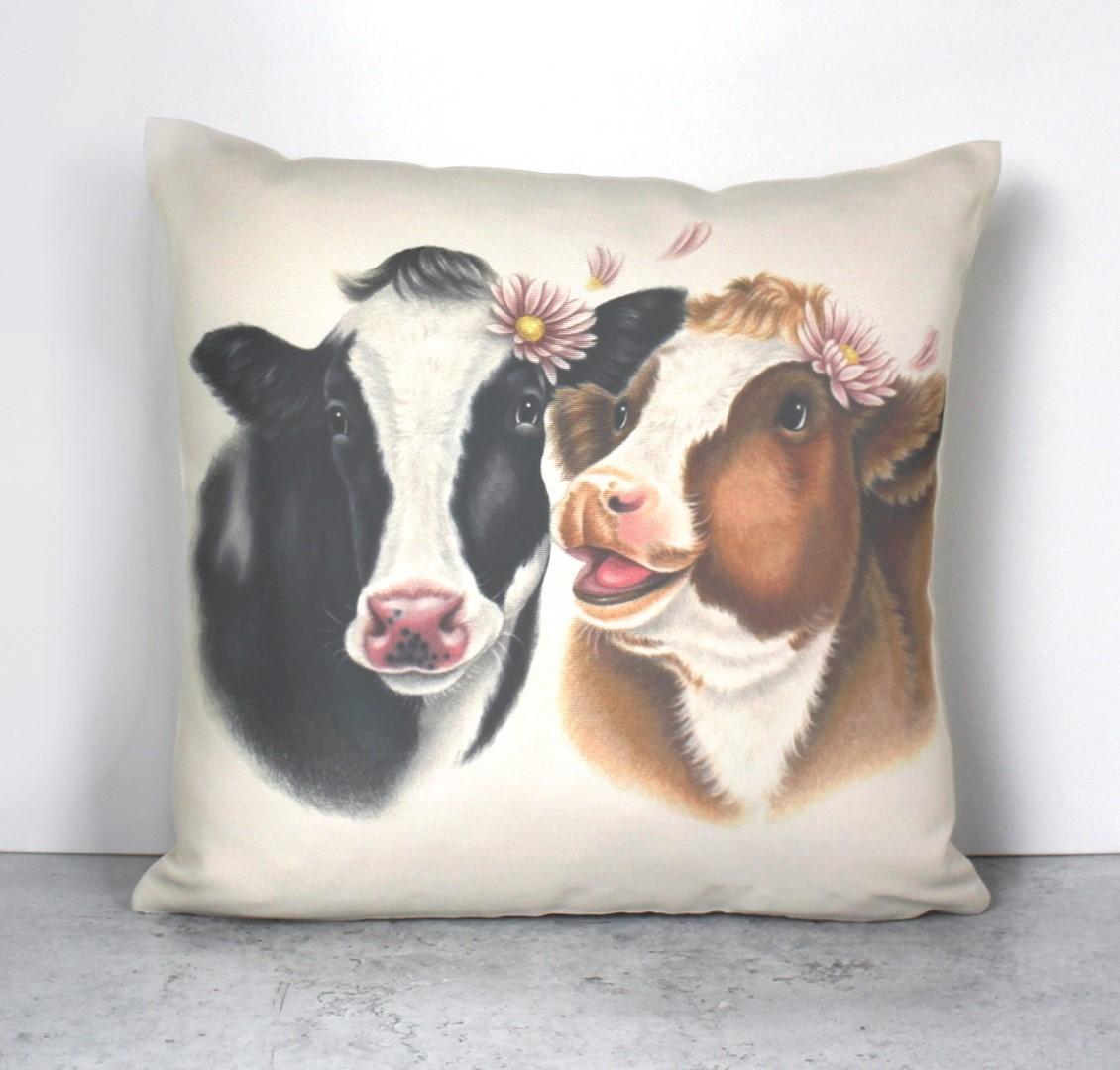 Lehmäpari -Sisustustyyny