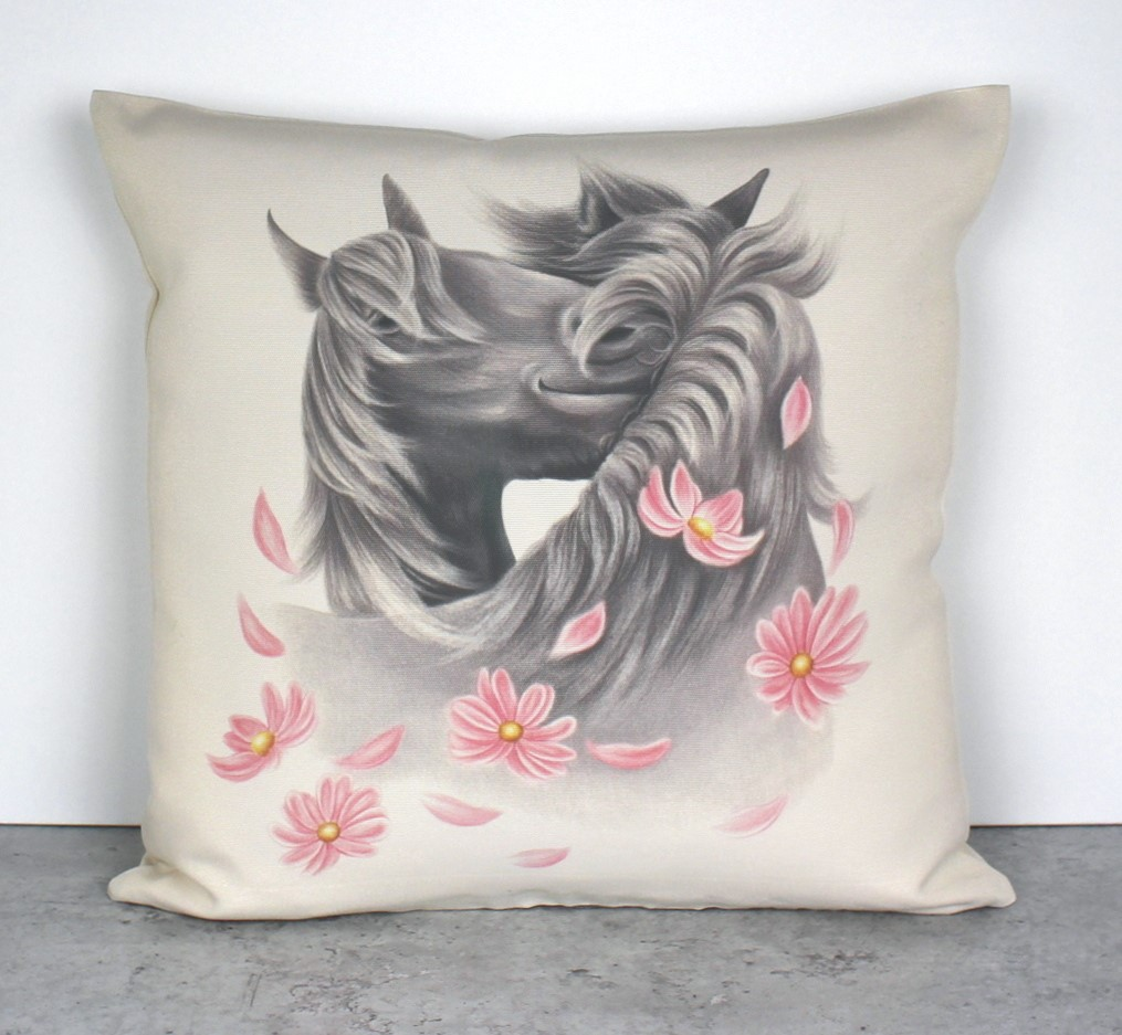 Hevoset ja kukat -Sisustustyyny (Hevonen)
