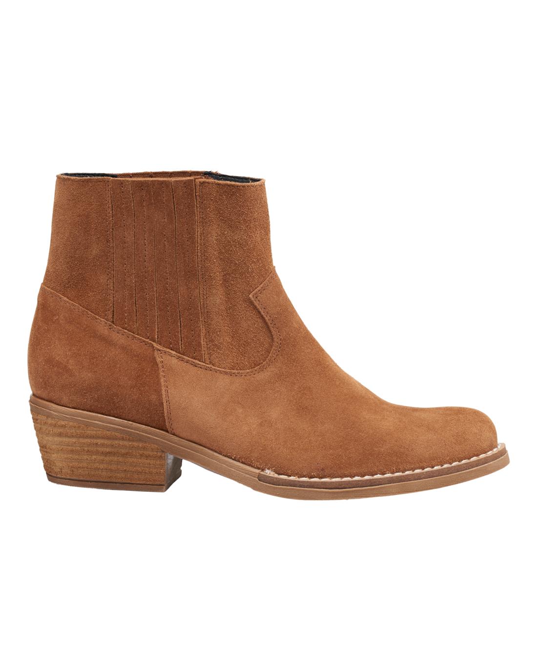 Linda Boot Camel
