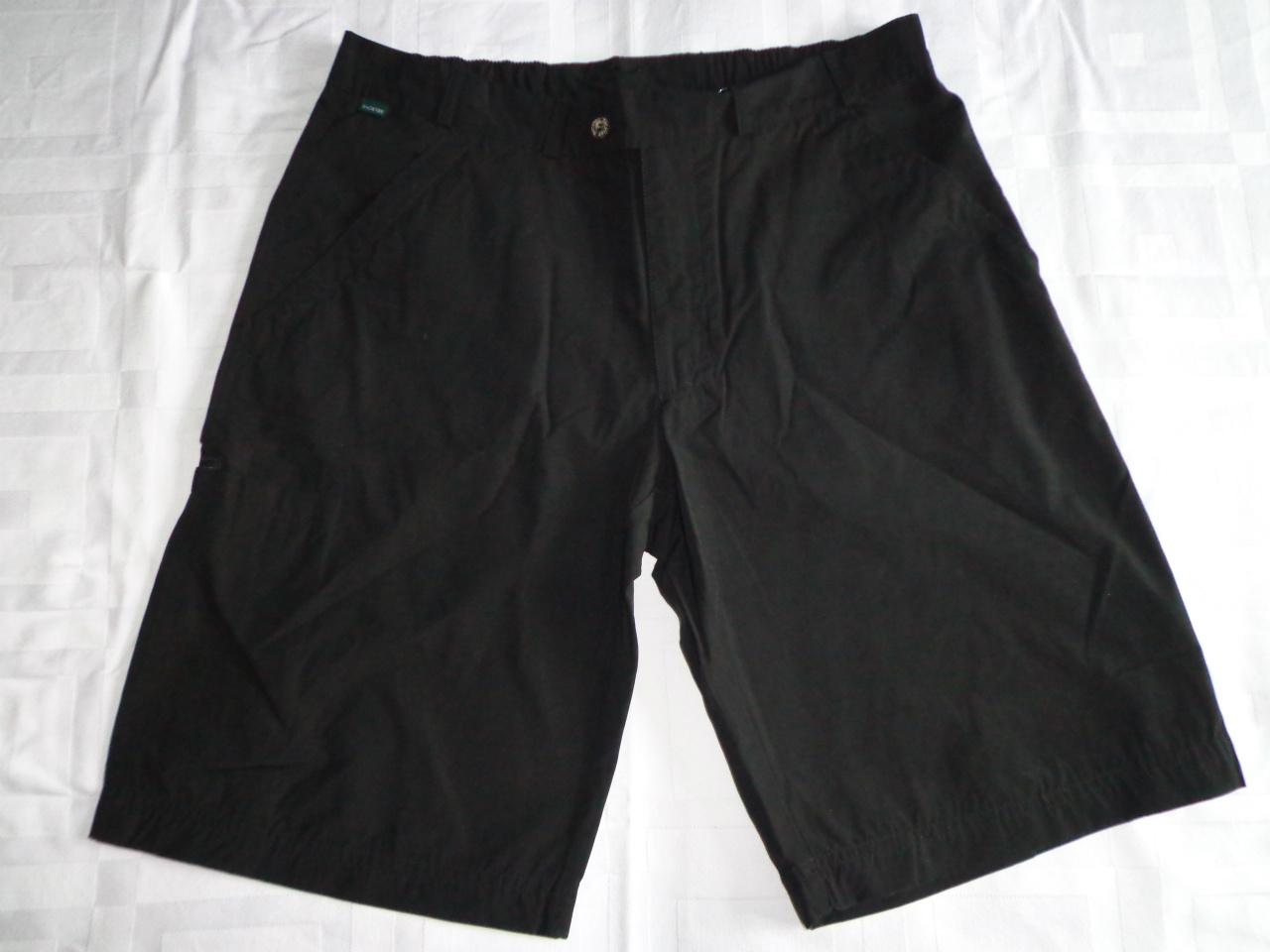 BackTee shorts i sort