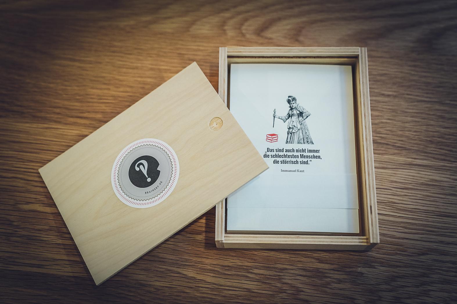 3 Postkartensets in Holzschachtel