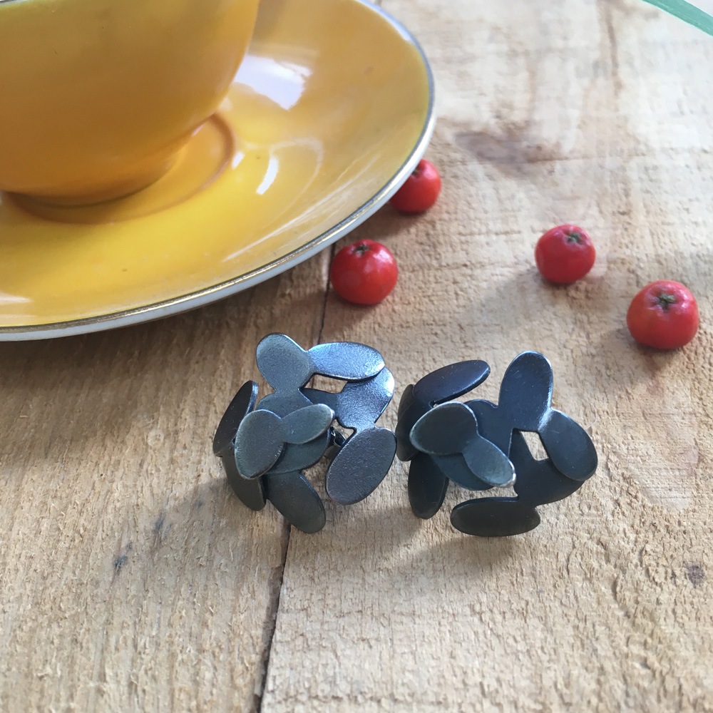 #1018 Bumbleberry earrings
