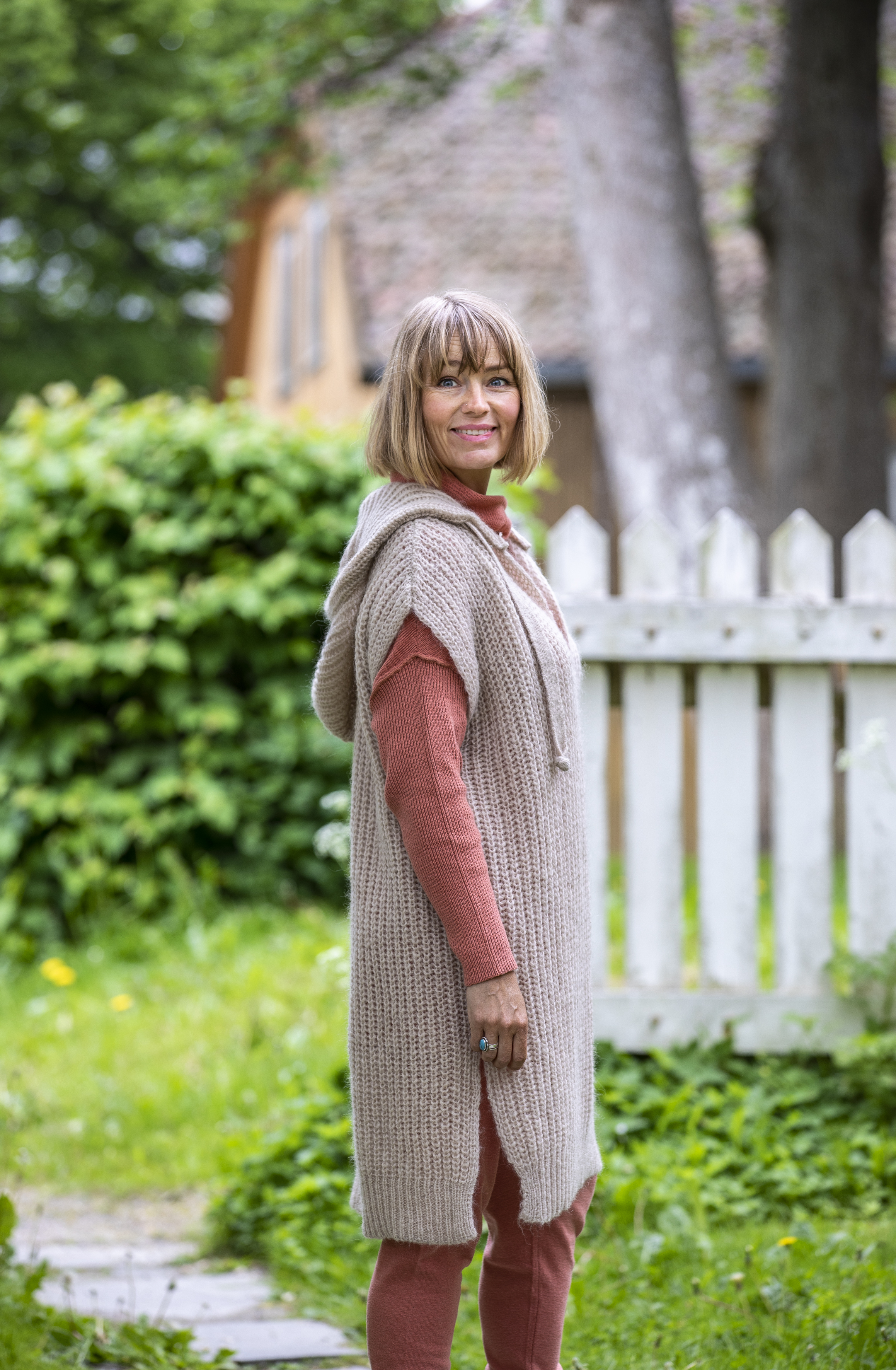 15-5821 Pernille Poncho, Sand