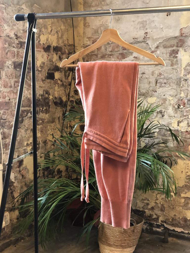 Kira bukse, Terracotta