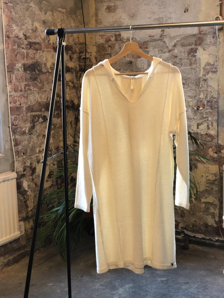 Vida strikket kjole, Offwhite