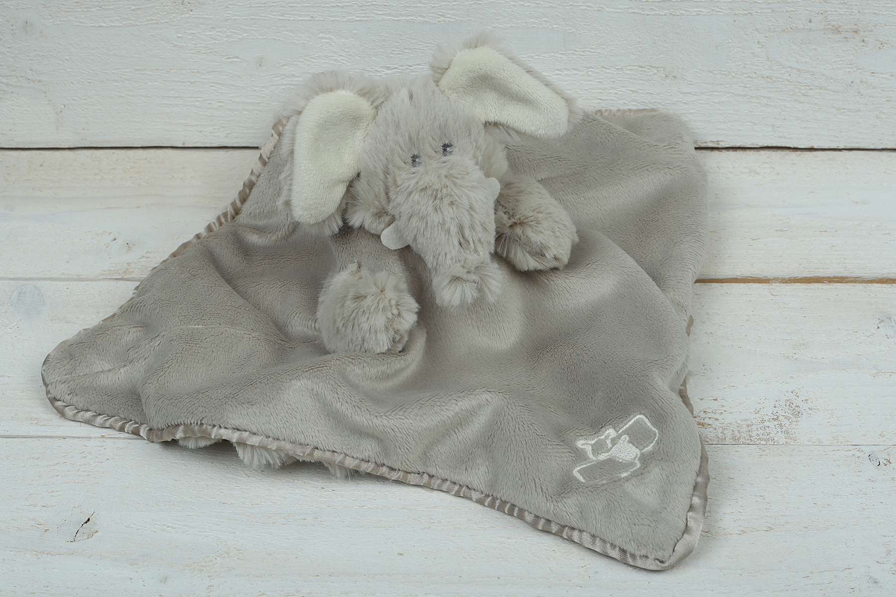 ELEPHANT SOOTHER/FINGER PUPPET JOMANDA