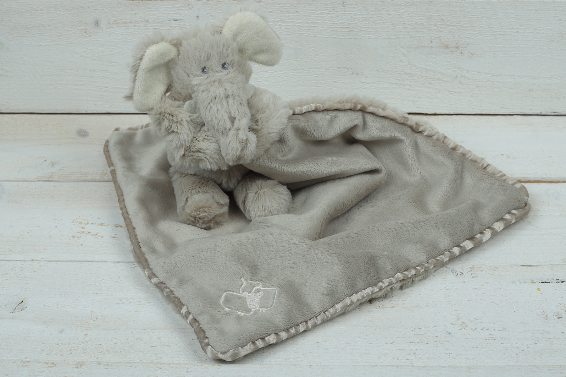 ELEPHANT TOY SOOTHER JOMANDA
