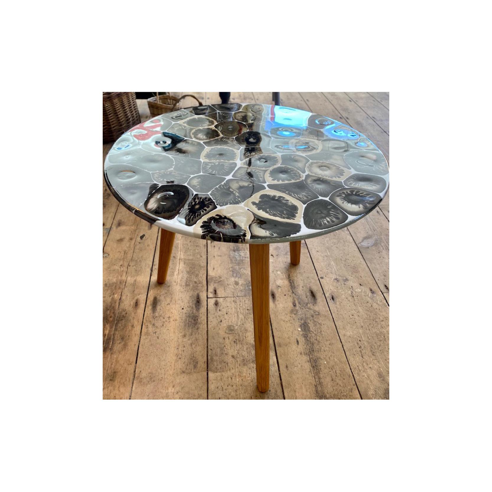 Chantal - Large resin table