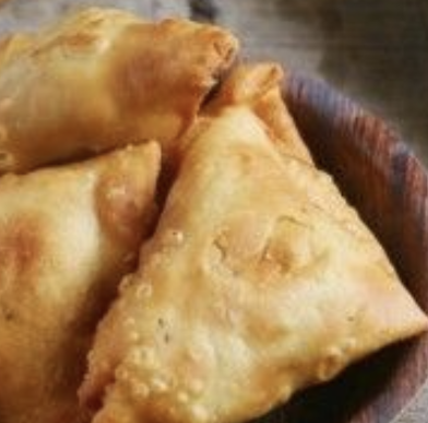 9. Vegetable Samosa (L, P) 2kpl with mint sauce