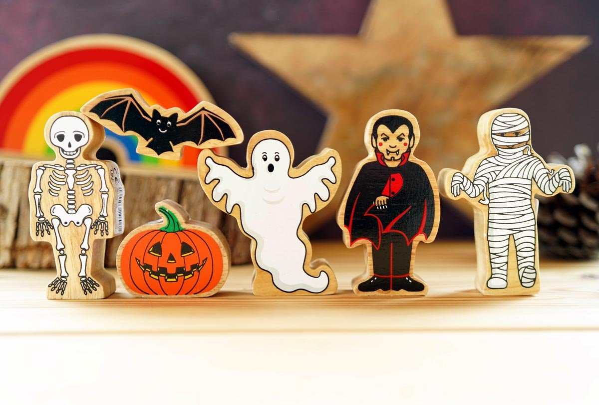 Lanka Kade Halloween Wooden Figures