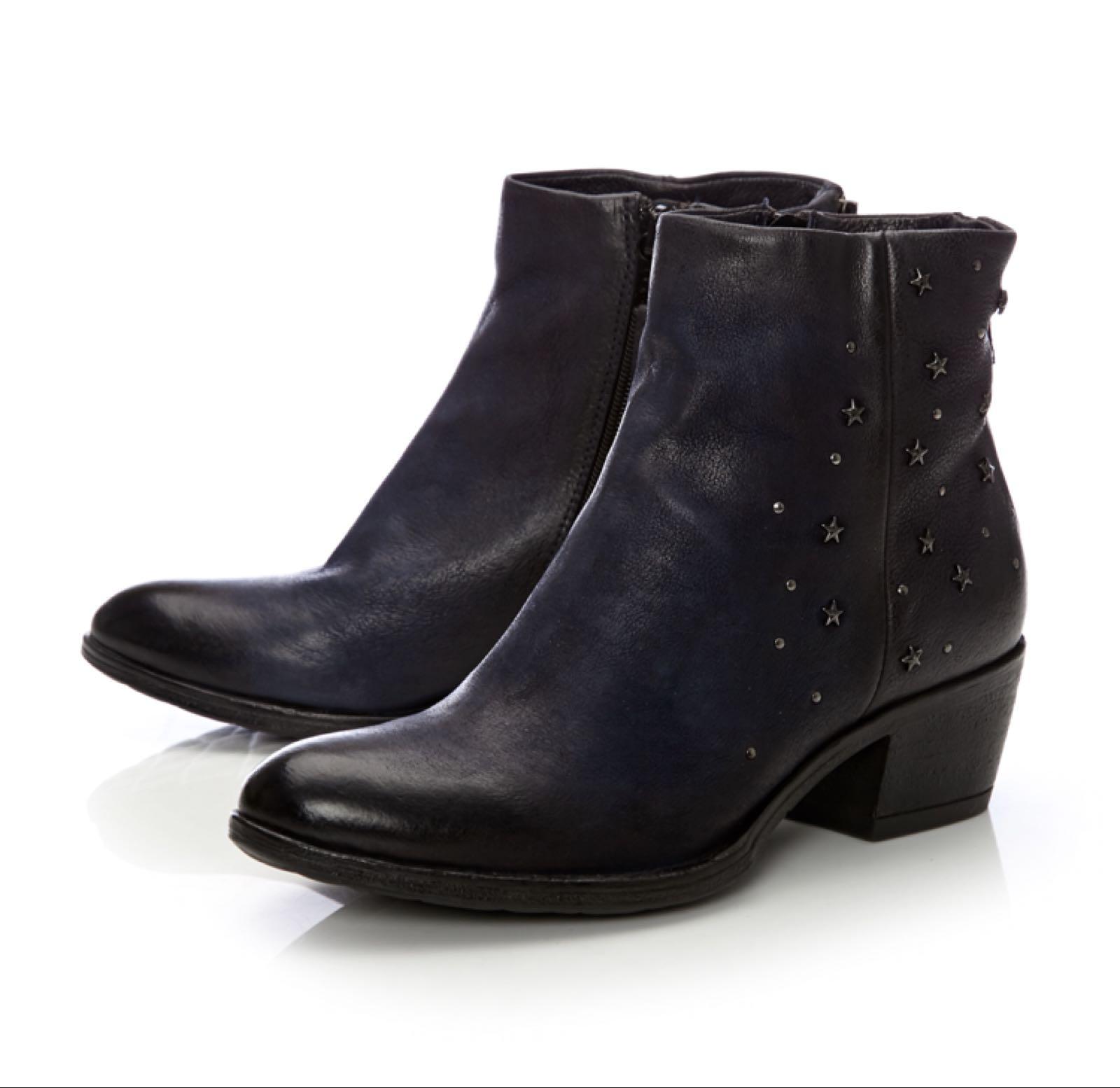 Moda in Pelle Dreamy Navy Leather £129,95