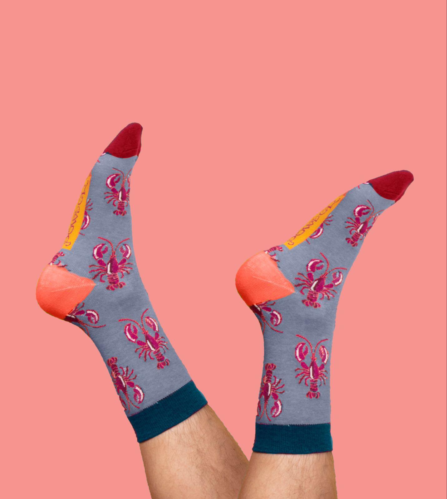Powder Gentleman's lobster  socks size 9-11