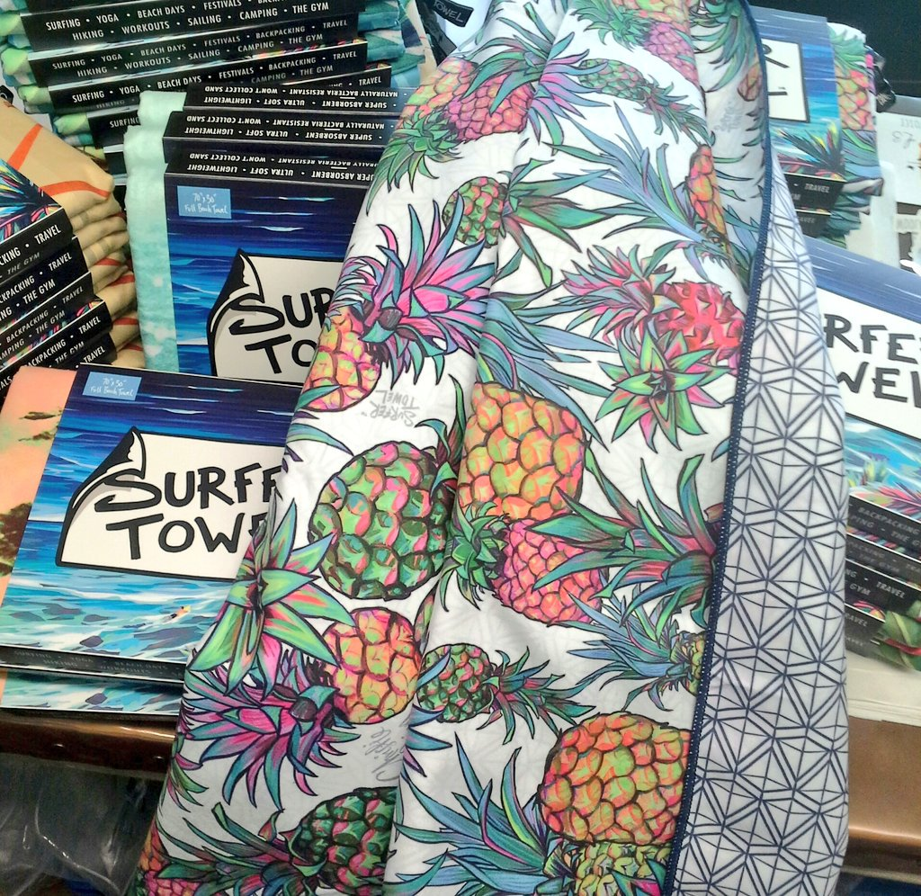 Surfer Towel Aloha Pineapple