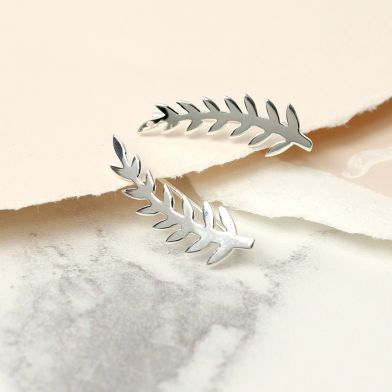 Sterling silver fern earline style earrings.