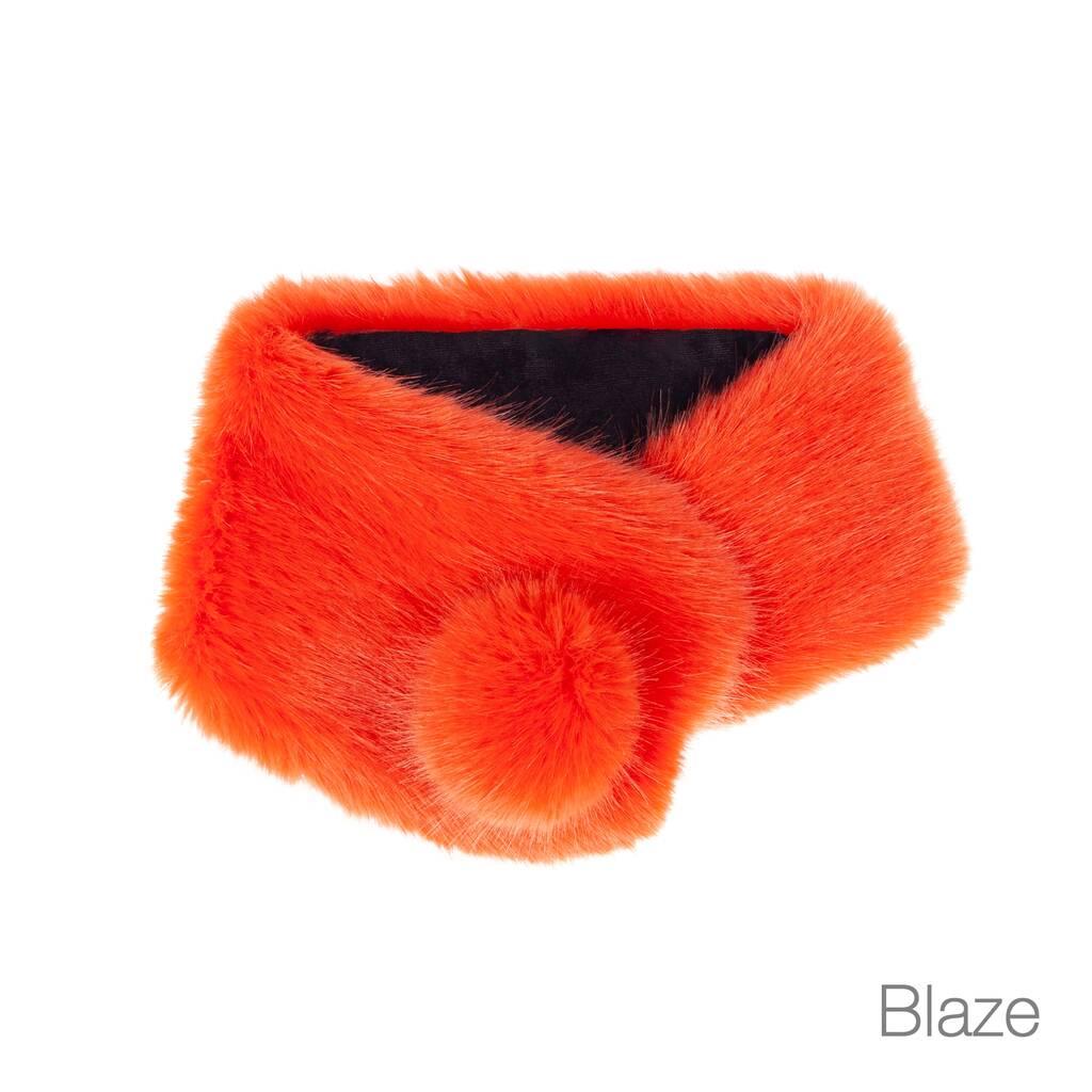 Pom Pom Collar Blaze