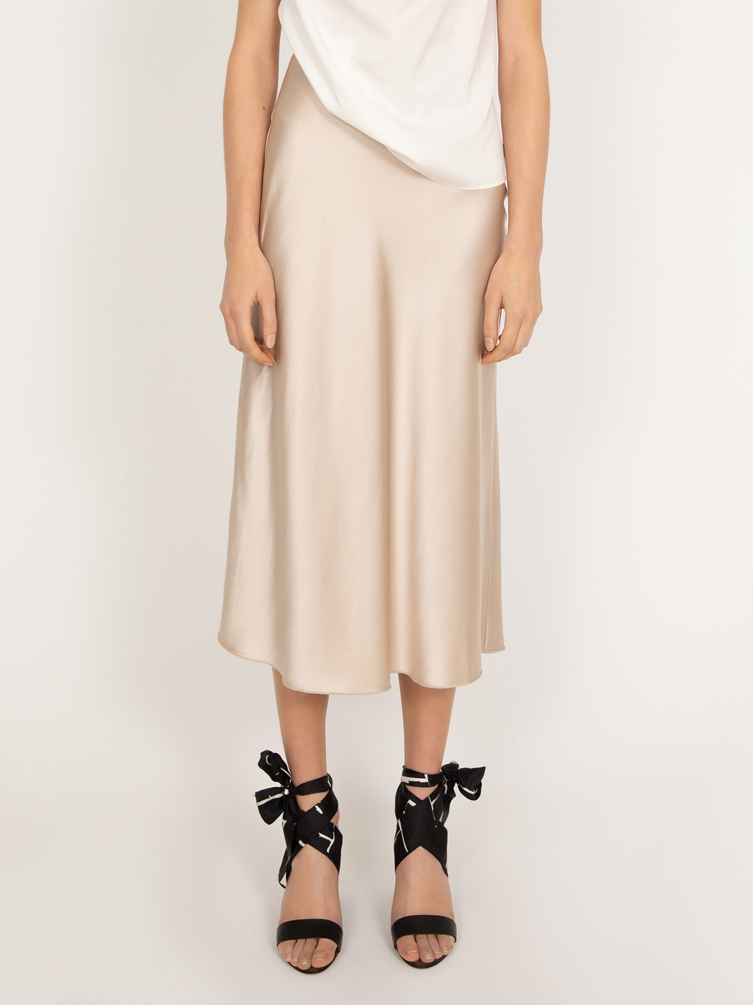 Hana satin skirt - Ahlvar
