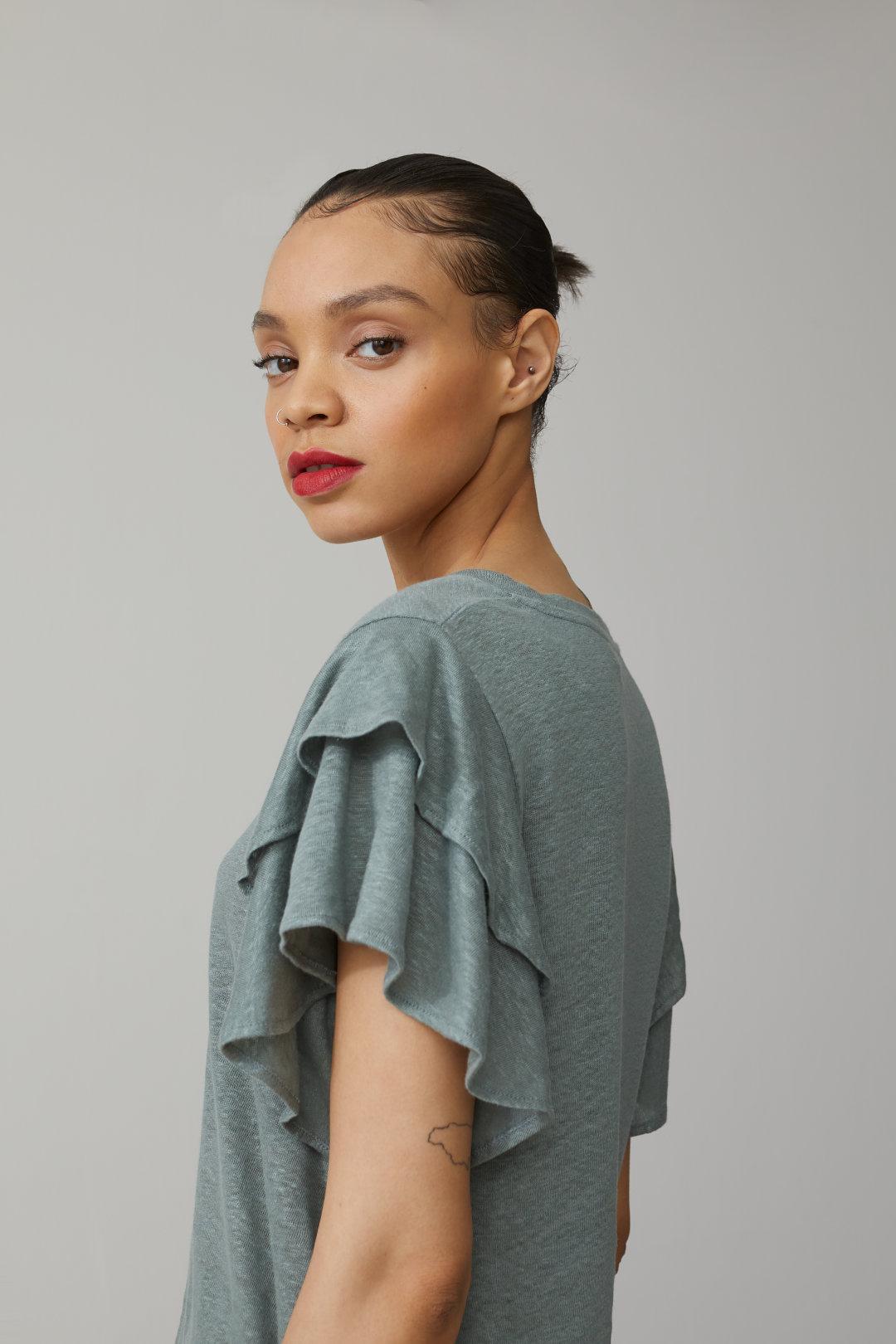 Linen T-Shirt with Flounces- Closed