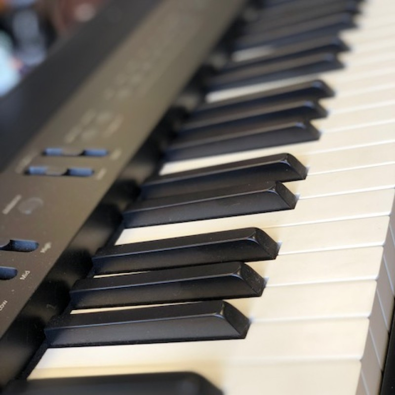 ROLAND FP 60 DIGITAL PIANO