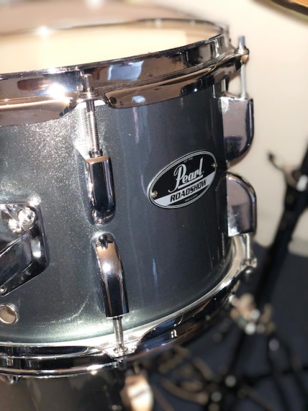 PEARL ROADSHOW DRUM-KIT IN CHARCOAL METALLIC