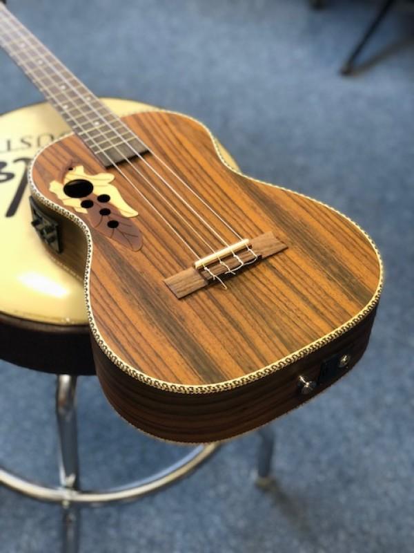 Caramel BARITONE ELECTRO Rosewood Autumn Leaf ukulele