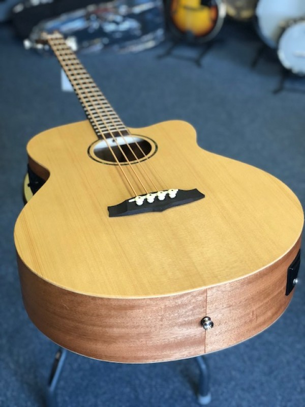 TANGLEWOOD ROADSTER ACOUSTIC BASS + EQ SSP TWR-AB