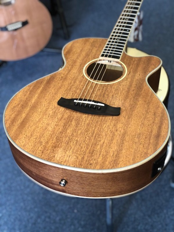 TANGLEWOOD UNION S/FOLK SOL MAH TOP MAH B&S NAT OPEN PORE + EQ SSP TW U SFCE